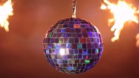 Fiesta en casa con esta bola disco DIY