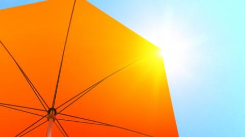 Disfruta de la rica sombra este verano con la oferta de parasoles y sombrillas de ferrOkey