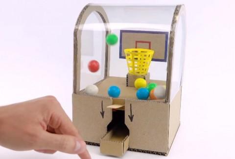 Máquina de bolas de chicle con canasta DIY