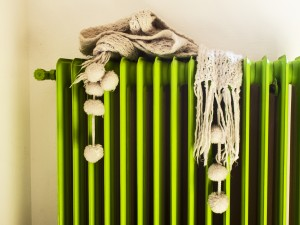 ideas y trucos para preparar tu casa para el frío y ahorrar