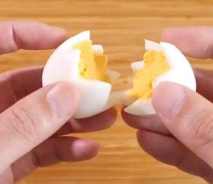 Huevos de Pascua de colores DIY - Hazlo tú mismo